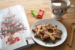 drizzle star cookies (sevenworlds16) Tags: christmas decorations tree cup cookies breakfast magazine star tea chocolate traderjoes mug marthastewart drizzle typhoo