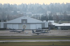 HOT refueling not a common practice @ KPDX (Eagle Driver Wanted) Tags: eagle aviation pdx portlandairport ang eagles pilot orang aero aerospace airnationalguard f15 fighterpilot groundcrew refueling f15eagle fighterjet airguard redhawks f15c kpdx eagledriver oregonairnationalguard 142ndfw f15ceagles hotrefueling 142ndfighterwing oregonguard 123fightersq fightingredhawks fighterjetsrefueling