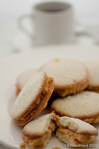 Alfajores with Persimmon Curd