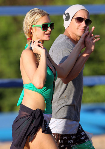 Paris Hilton watch sunset with boyfriend in Hawaii