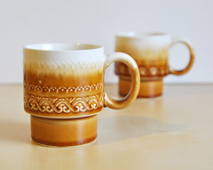 stackable mugs (.godo) Tags: kitchen coffee yellow vintage ceramic mugs golden cabin tea country goldenrod cups 70s mustard dishes etsy cottagestyle serving stackablemugs