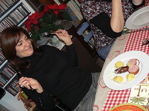 carole découvre l'assiette.jpg