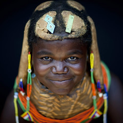 Mumuhuila girl - Angola (Eric Lafforgue) Tags: haircut tourism hair culture style tribal tribes tradition tribe tatoo ethnic hairstyle tribo coiffure angola ethnology tribu tatouage tourismo 3827 ethnie  mumuila   mumuhuila mwila      s151439e133555