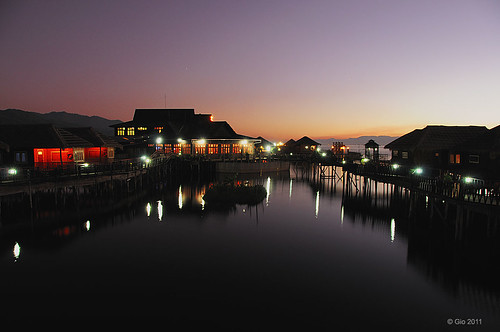 Inle lake sunset 02