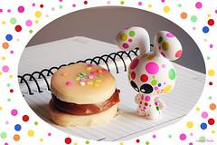 (!!) (ninasclicks) Tags: rabbit bunny notebook toy interestingness polka dot explore spots dots dulcedeleche alfajor vinyltoy 393 explored genevievegauckler toyintheframethursday htitft stereotype04 13ene2011