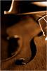 (Lù *) Tags: light music stilllife macro nikon bokeh violin musica instrument 1855 musicale violino d60 strumento