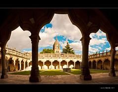 Panoramica del Patio Universidad de Salamanca (Javier  Garca) Tags: espaa canon spain torre patio cielo universidad mm salamanca f28 arcos piedra 1755 javiergarcia 40d