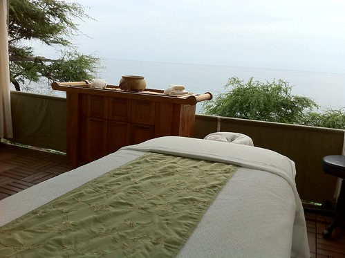 Oceanside Massage at Manele Bay