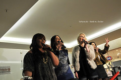 LaVive im Forum Duisburg (1st4you.de) Tags: fans musik popstars auftritt einkaufscentrum lavive forumduisburg frankmfischer 1st4youde duisburgfansde dufansn2365