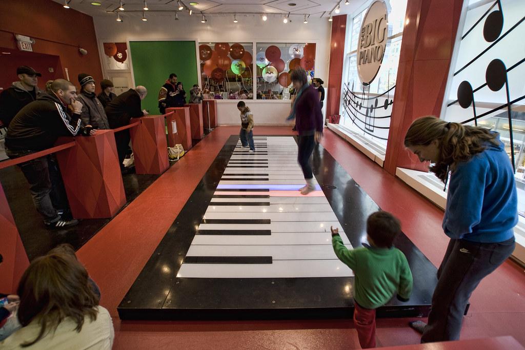 'The Famous BIG Piano' (New York,USA)