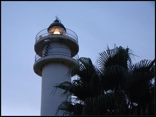 Faro encendido Torre del Mar