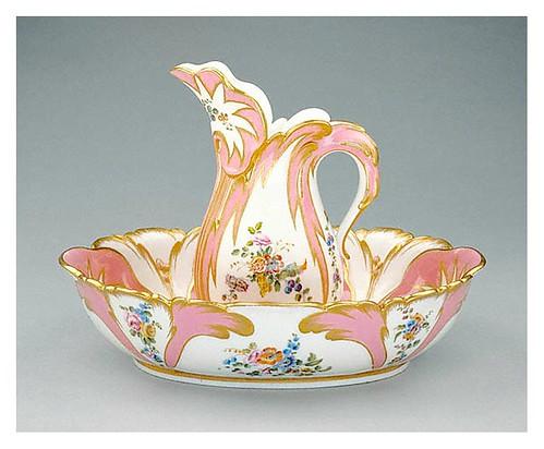 001-Jarra y palangana-Porcelana de Sevres- Jean-Claude Duplessis 1757- ©J. Paul Getty Trust