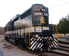 TVRR Museum's Southern #2594 is Ready to Pull a Dinner Train (bluerim) Tags: tennessee chattanoogatn dinnertrain diesellocomotive gp30 southernrailroad tennesseevalleyrailroadmuseum tvrr