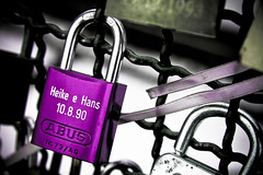 Locks of love on the Hohenzollernbrcke (Benn...) Tags: love germany purple lock violet cologne kln locks padlock hohenzollernbrcke hohenzollernbridge
