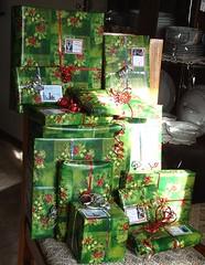 Ribbons (Sandy*S) Tags: christmas present ribbon package ansh scavenger20