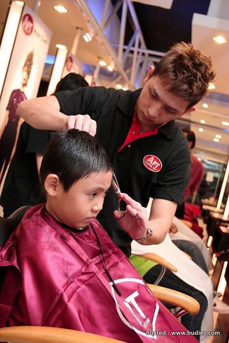 Hair Cut At Apt(A)