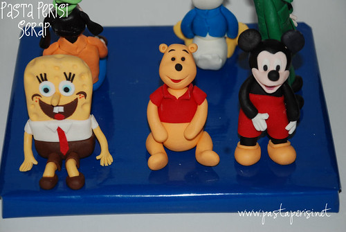 sungerbob- mickey mouse- winnie the pooh figürü