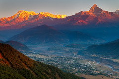 Sunrise... (Helminadia Ranford(Traveling)) Tags: morning nepal light sunrise landscape range pokhara annapurna tibetcamp