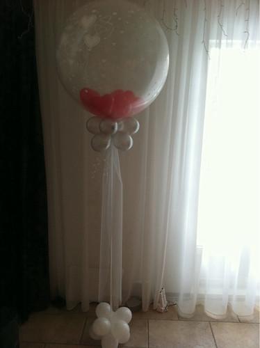 Cloudbuster Rond met 6 inch Hartballonnen er in