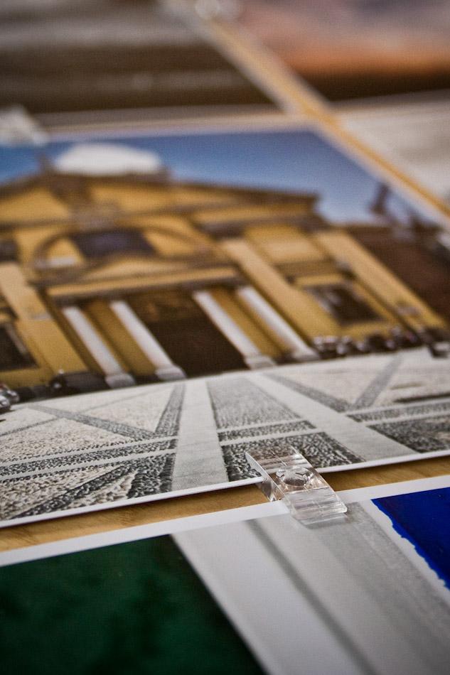 Prints von SAAL digital zusammengehalten von Fotoclips