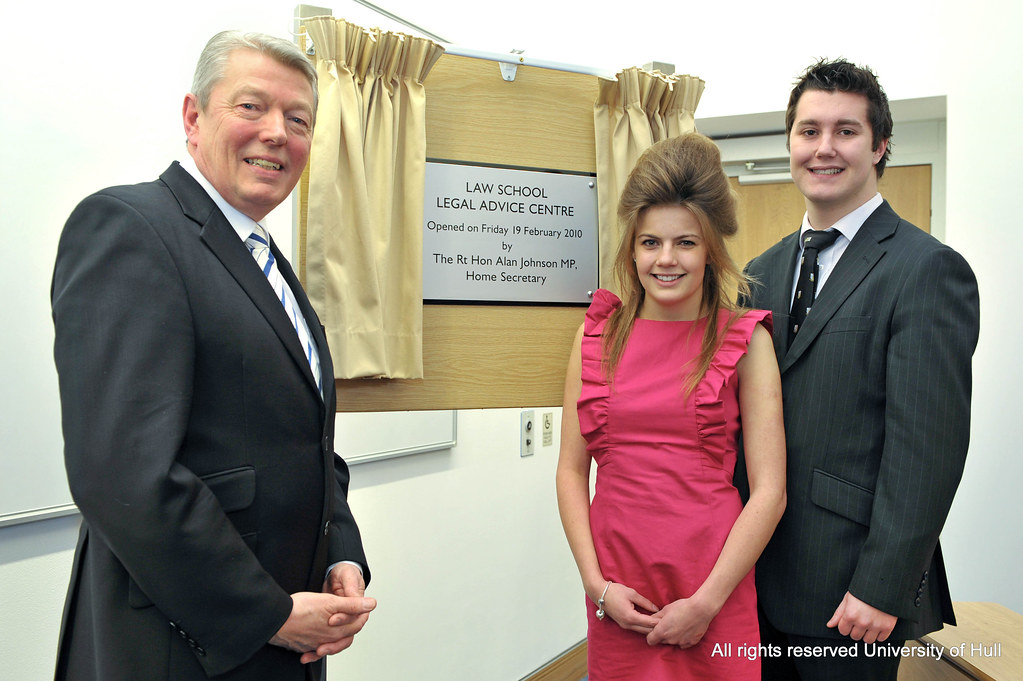 MP Alan Johnson opens the Legal Advice Centre
