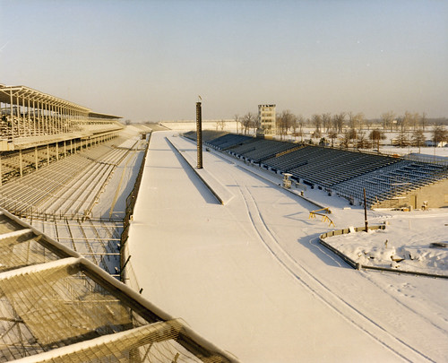 1977 Snow at the Track