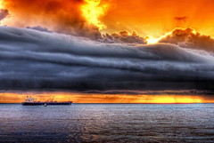 Despus de la tormenta (Jaimito Cartero) Tags: ocean california sunset sea usa mer seascape storm weather clouds losangeles webcam amazing tramonto nuvole ship pacific smoke explosion