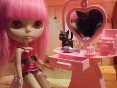 Blythe and her new Vanity!