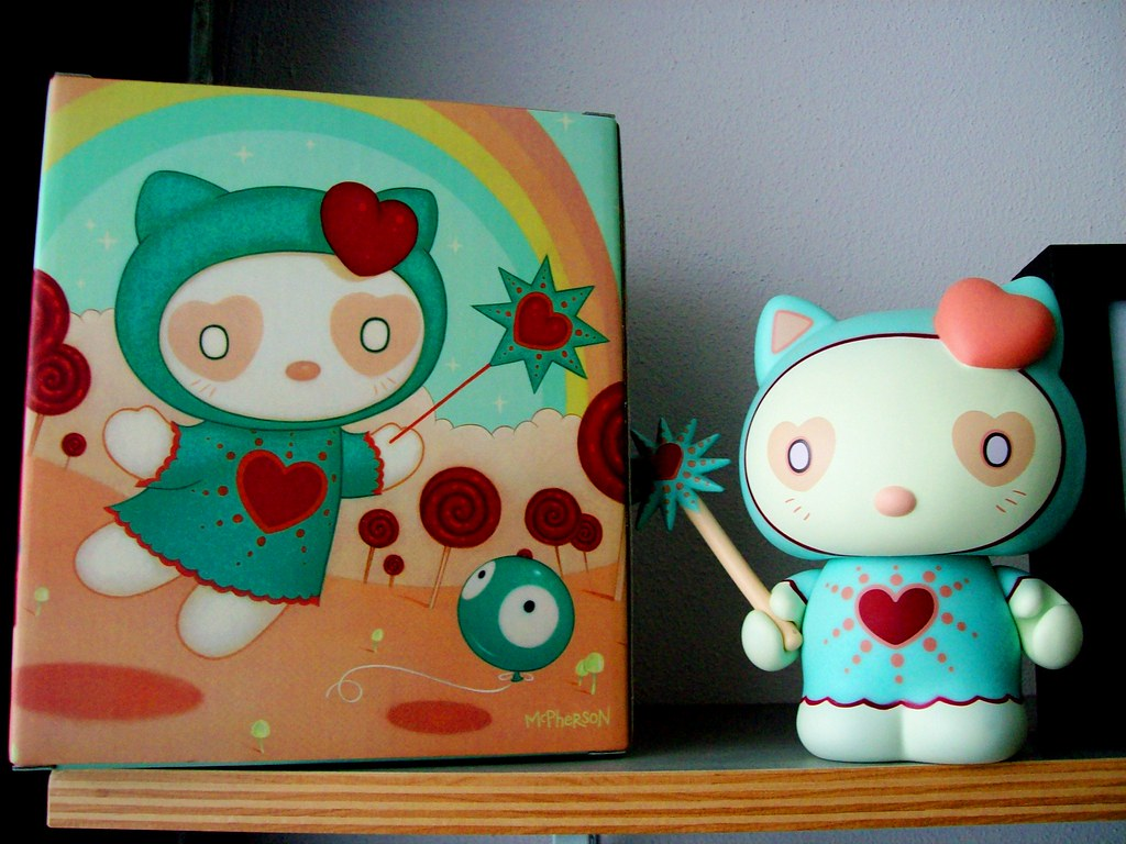 Tara mcpherson x hello kitty x kid robot