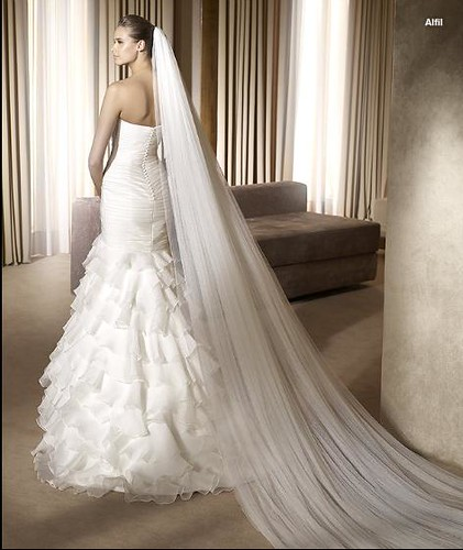 wedding gowns 2011