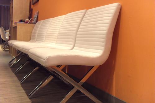 就是這個椅子^^ 讚^^