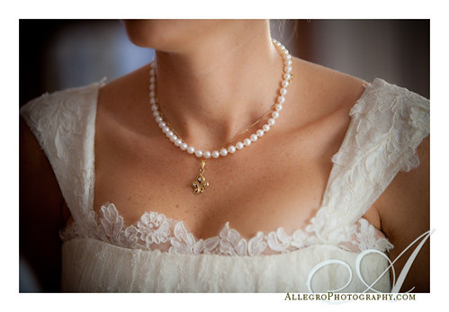 crane-estate-castle-hill-wedding-inspiration-mm- bride's pearl necklace with charm