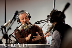 Leo Laporte Doing the Tech Guy Radio Show from CES 2011 (_Topher_) Tags: lasvegas nevada saturday twit ces leolaporte lasvegasconventioncenter twitarmy consumerelectronicshow twitnetwork ces2011 topherpettitphotography consumerelectronicshow2011 techguyradio