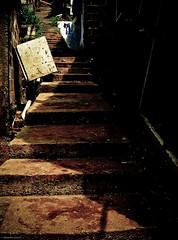 La escalera (alejocock) Tags: photographer colombian metro ciudad medellin santodomingo sabio metrocable acock alejocock httpsurealidadblogspotcom alejandrocock barrioacockalejocockalejandrocockcolombianhttpsurealidadblogspotcomphotographer