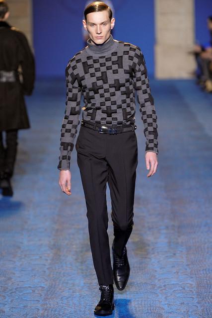 FW11_Milan_Versace008_Aiden Andrews(VOGUEcom)
