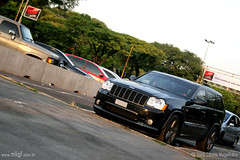 Cherokee SRT8 (Petrolhead Team) Tags: black do jeep preto cherokee paulo são 2010 estacionamento srt8 salão automóvel worldcars