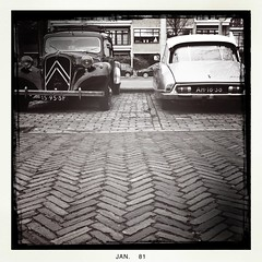 Decadence (LiesBaas) Tags: bw citroen ds denhaag citroën oldtimer oldtimers thehague avant iphone zw citroënds citroënavant iphotography iphonography zwartwitfotografie liesbaas ijustlovemynewphoneandoldtimers wwwflickrcomphotosliesbaas2 decadencebyliesbaas spottedinhetbezuidenhout