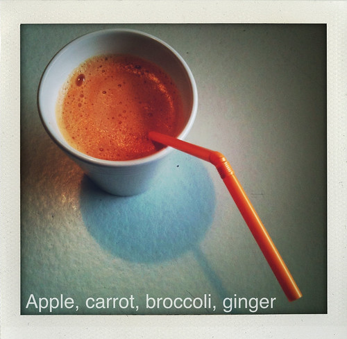 Appel, wortel, broccoli, gember