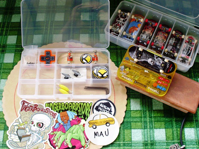 post your fingerboard case/box - Page 7 5382973655_232d4cea00_z
