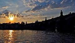 Sunset over Charles bridge (Nextors) Tags: republica bridge sunset puente nikon republic czech prague charles carlos praga checa d5000