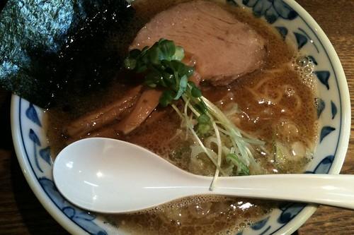 ra101128麺部 しば盛 魚薫ラーメン
