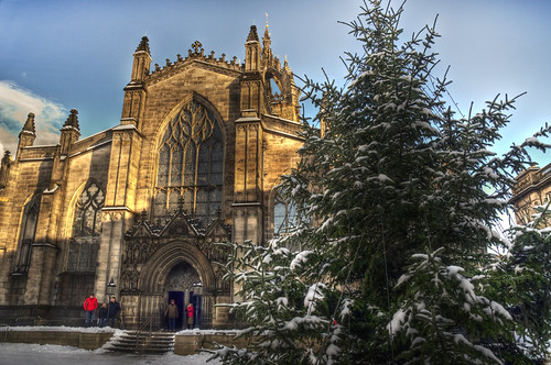 Snow at St Giles