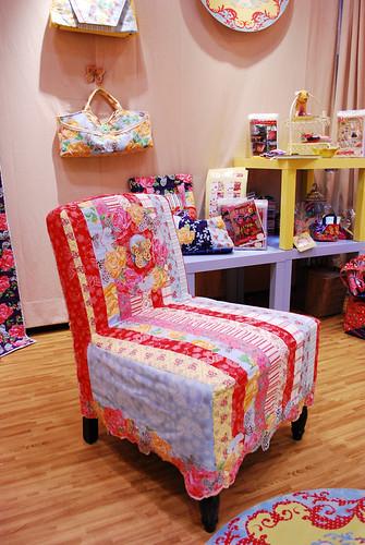 Bari J chair
