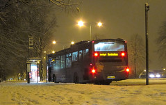 Indi-snow (Lady Wulfrun) Tags: nottingham winter snow cold bus students buses night volvo december nightshot streetlights seasonal transport indigo freezing busstop route trent transit barton beeston 704 streetlighting treelined wintry roadconditions universityboulevard trentbarton b7b fj58kju