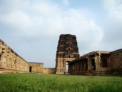 Beautiful view of Madhavaraya temple, Gandikota (Pavan Kumar Bandaru) Tags: jamiamasjid raghunathatemple gandikota madhavarayatemple georgeofgandikota jammalamadugugandikotajamiamasjidmadhavarayatemplegeorgeofgandikotaraghunathatemple