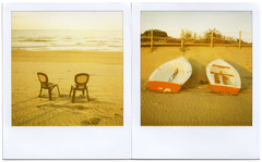 Lone Pair (dupalls) Tags: sea two boats sx70 boat couple mare 600 sedie coppia chiars coppie lonepair