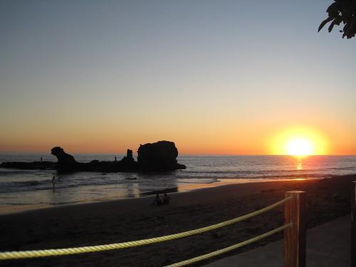 el salvador beach sunset
