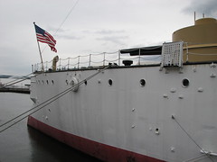 Stern of the USS Olympia (FranMoff) Tags: usa boat us ship flag navy olympia stern cruiser uss c6 protected ca15 protectedcruiser cl15 ix40