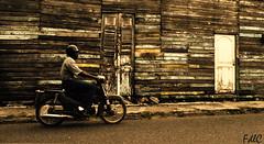 Motoconcho (lagriso1) Tags: republica de casa calle san vieja colores pedro moto dominicana motor correr caribe motoconcho oscuros macoris fdlc