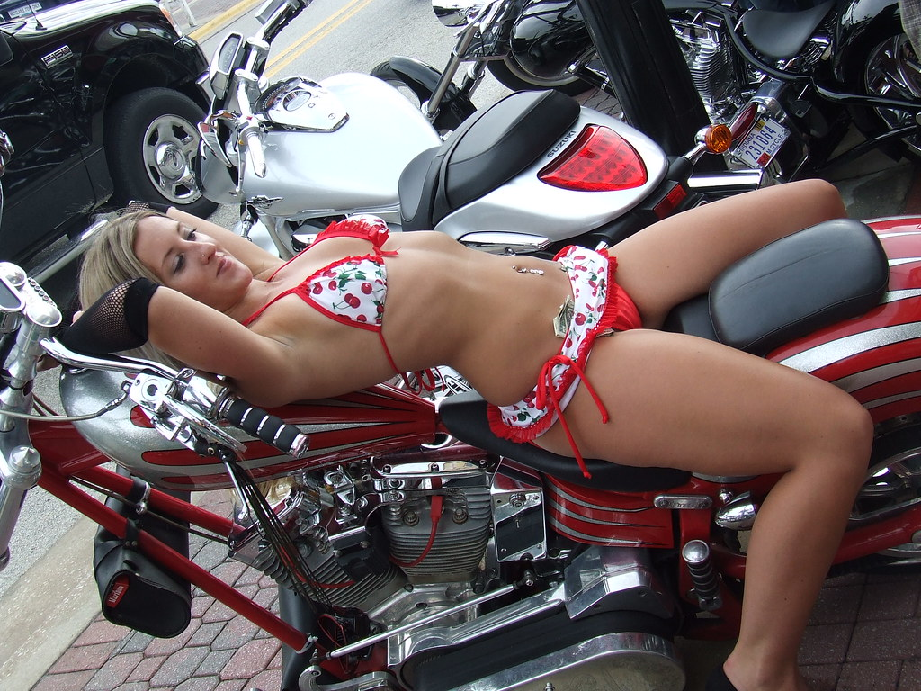 hot biker girls camel